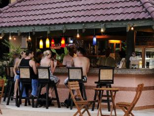Thara Patong Beach Resort & Spa Phuket - Dolphin Pool Bar