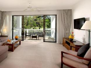 Allamanda Laguna Phuket Hotel Phuket - Living Room