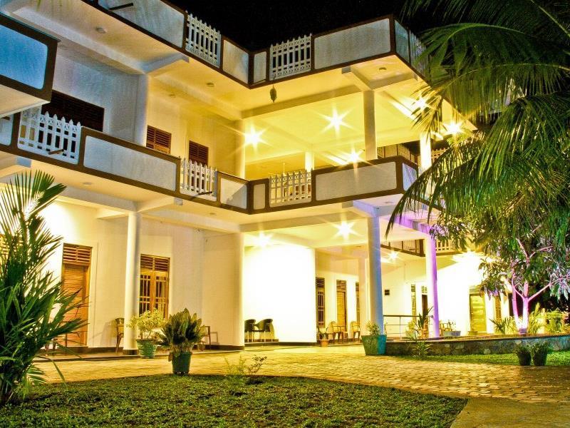 Hotel Nilketha - Hotels and Accommodation in Sri Lanka, Asia