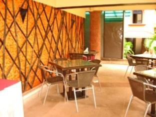 Country Club De Goa Hotel North Goa - Coffee Shop