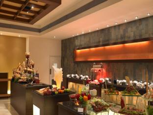 Club Mahindra Emerald Palms South Goa - La Terrazza - Buffet