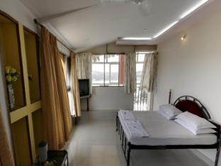 Hotel Manvin's North Goa - Guest Room