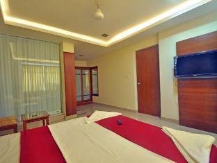 Hotel Solmar North Goa - Suite Room