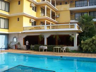 Peninsula Beach Resort North Goa - Swimming Pool