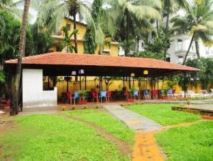 Peninsula Beach Resort North Goa - Restaurant Exterior
