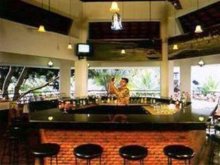 Resort Lagoa Azul North Goa - Food, drink and entertainment