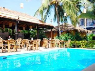 Santana Beach Resort North Goa - Pool Side Restaurant