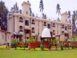Sun City Resort North Goa - Giardino