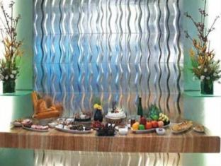Mirage Hotel Mumbai - Food and Beverages