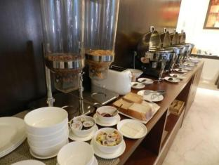 Cabana Hotel New Delhi and NCR - Buffet Breakfast