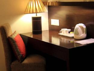 Cabana Hotel New Delhi and NCR - Desk