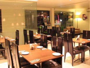Cabana Hotel New Delhi and NCR - Restaurant