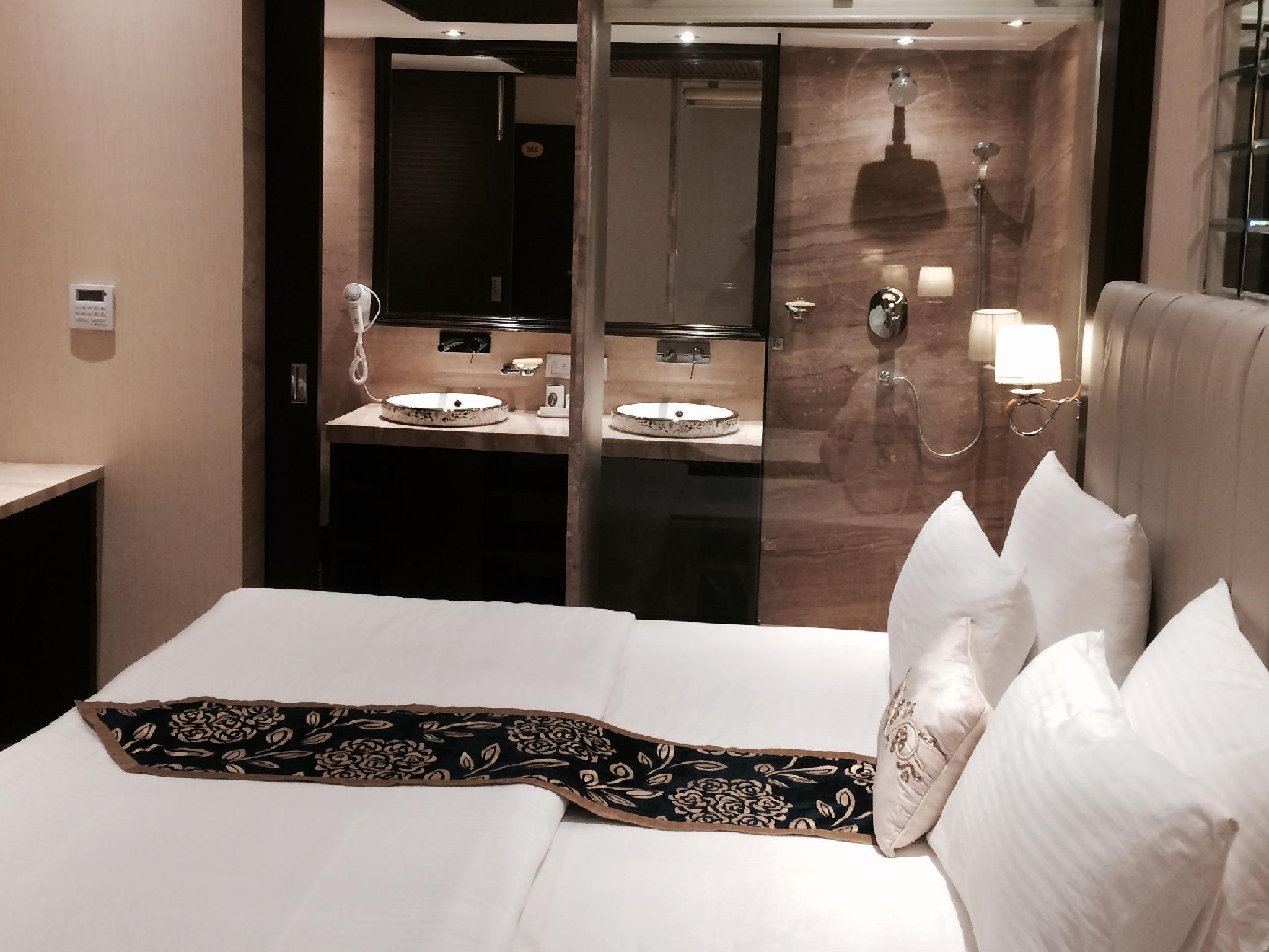 Hotel Emperor Palms - Hotell och Boende i Indien i New Delhi And NCR