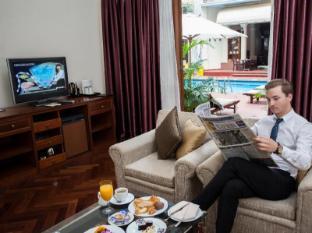 Hotel Majestic Saigon Ho Chi Minh City - Suite Pool View