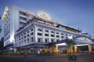 メトロポール ホテルの外観