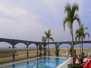 Grand Continental Hotel Kuala Terengganu Kuala Terengganu - Kenyir Pool
