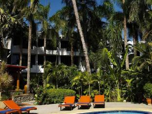 Safari Beach Hotel Пхукет - Бассейн