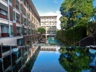 The Haven Bali Seminyak Bali - Hotel Pool
