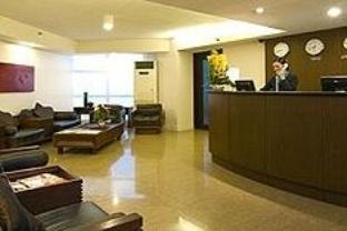 Hotell Regalia Tower Hotel Suites