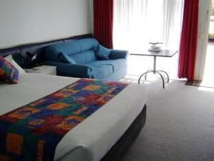 Poinciana Motel - Room type photo
