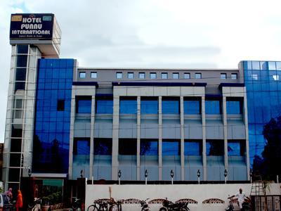 Hotel Punnu International - Hotell och Boende i Indien i Amritsar