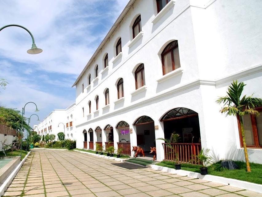Le Waterina Resort   Spa - Hotell och Boende i Indien i Chennai