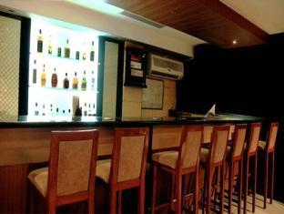 Harrisons Chennai - Hudson Bar