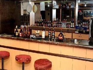 Hotel Peninsula Chennai - Pub/Lounge