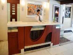 Hotel Peninsula Chennai - Recepció