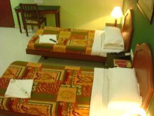 Hotel Peninsula Chennai - Konuk Odası