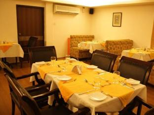 The Kings Hotel Chennai - Food, drink and entertainment