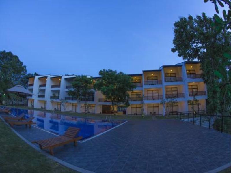 Tamarind Lake Hotel. - Hotels and Accommodation in Sri Lanka, Asia