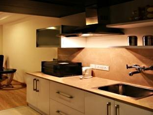 Imperial Apartments New Delhi and NCR - Kitchenette