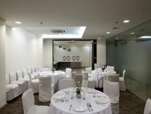 Imperial Apartments New Delhi and NCR - Dinning area