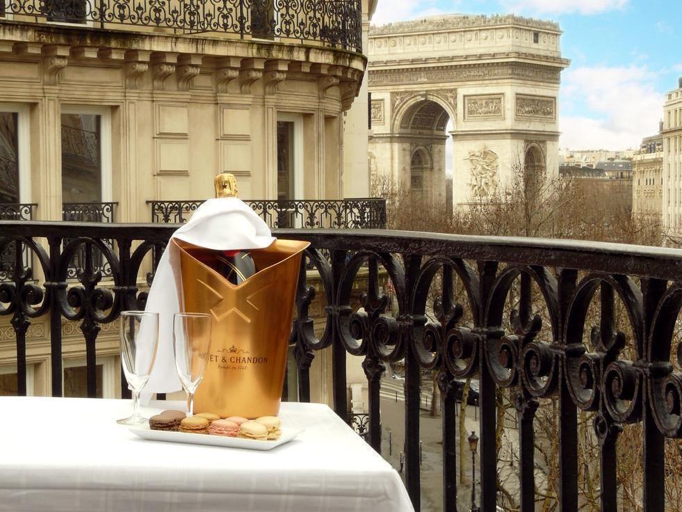 Royal Hotel - Hotell och Boende i Frankrike i Europa