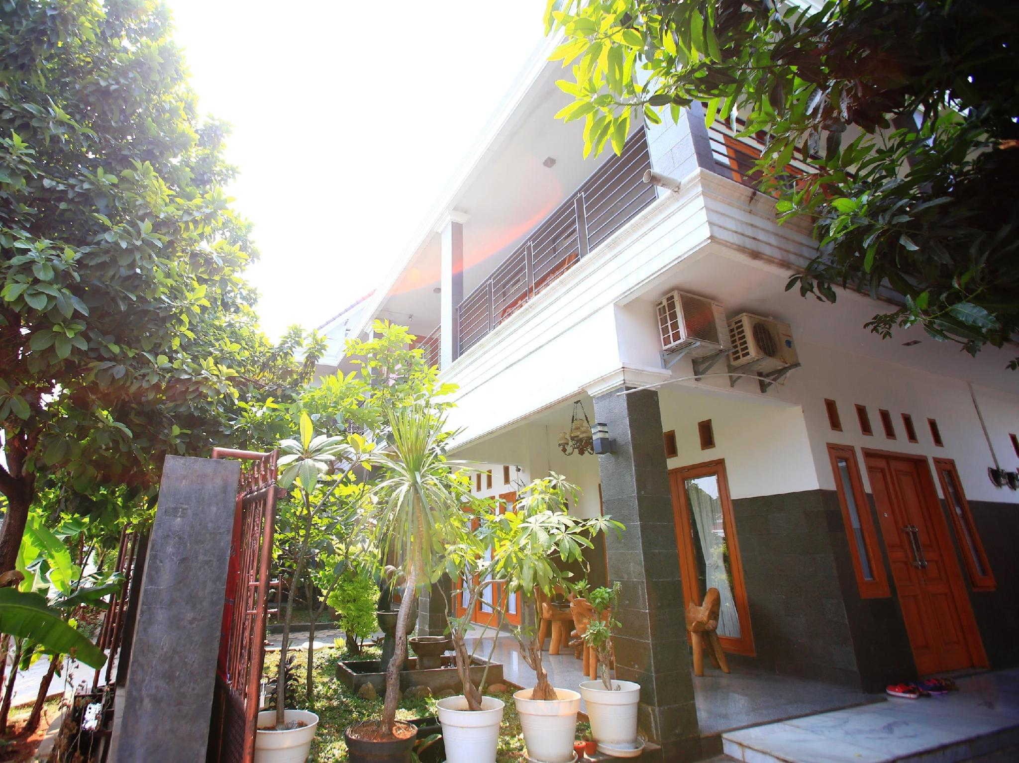 RedDoorz @ Ragunan - Hotels and Accommodation in Indonesia, Asia