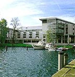 Courtyard by Marriott Berlin-Kopenick Hotel - Hotell och Boende i Tyskland i Europa