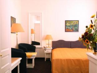 Hotel Adlon Vienna - Guest Room