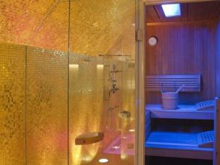 Small Luxury Hotel Das Tyrol Wien - Kylpyhuone