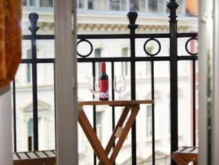 Small Luxury Hotel Das Tyrol Wien - Parveke/Terassi