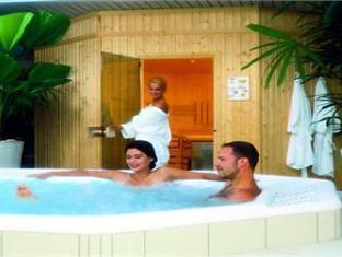 Thermenparadies Der Karawankenhof Hotel Villach - Hot Tub