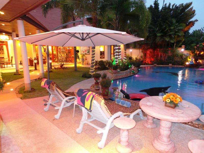 Relaxing Palm Pool Villa & Tropical Illuminated Garden - Hotels and Accommodation in Thailand, Asia