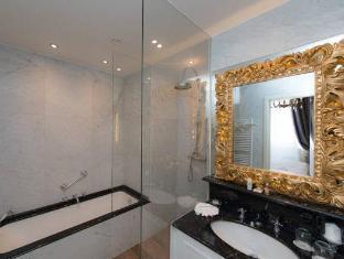 Relais & Chateaux Hotel Heritage Bruges - Bathroom