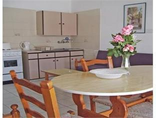 Tasmaria Hotel Apartments Paphos - Guest Room