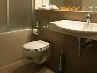 Best Western Hotel Pav Prague - Bathroom