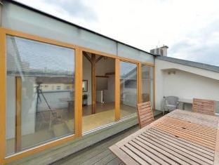DownTown Suites Prague - Balcony/Terrace