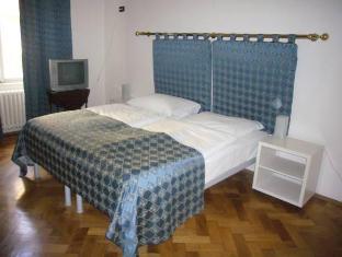 Residence La Fenice Praha - Hotellihuone