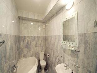 Hotel U Kocku Prague - Bathroom