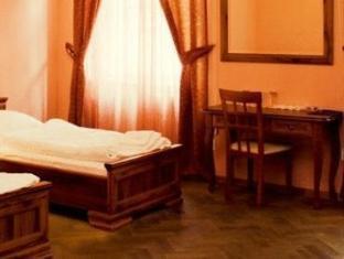 Hotel U Kocku Prague - Guest Room