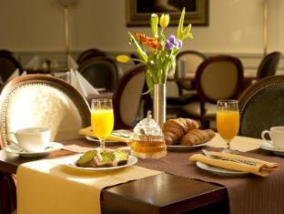 Boutique Hotel Seven Days Prague - Breakfast at hotel restaurant